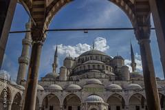 Estambul - Istanbul (Alvaro Lovazzano) Tags: canon estambul turquia viaje2014 t3i viaje turkey mosque cpula cupola domo dome minarete travel rabe cielo sky blu blue azul arabian nube clouds nuvole mezquitaazul bluemosque perspectiva istambul sultnahmed ahmed 600d