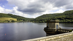 Ladybower Reservoir, Derbyshire (Arran Bee) Tags: peak district lake water landscape nature derbyshire uk midlands england countryside long exposure neutral density filter canon 1100d summer