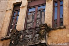 Casaro (Stefan Lambauer) Tags: casaro janelas old city ruaxvdenovembro windows velha antiga house stefanlambauer 2016 brasil brazil santos sopaulo br