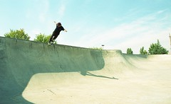 t-HEARTS FILM006 (dannondale) Tags: skateboarding nikonf2 35mmfilm oregon skatepark kodakgold