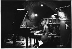 Gee Hye Lee (Christoph Schrief) Tags: bw film analog piano jazz nightclub sw 19 frankfurtammain leicam2 jazzkeller blackwhitephotos ilfordilfoteclc29 7min kodaktrix4001600 sivlerfast plustekopticfilm7600 leicasummicronm250 geehyeleetrio