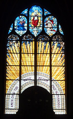 Golden rays, Christ enthroned in Heaven - stained glass window - Eglise Saint-Gervais-Saint-Protais, Paris (Monceau) Tags: stainedglass window gold rays radiant christ enthroned glisesaintsulpice paris