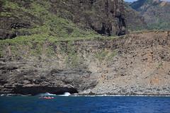 some scale (1600 Squirrels) Tags: 1600squirrels photo 5dii lenstagged canon24105f4 captainandys sailing cruise southernstar catamaran yacht sunsetcruise pacific ocean kauai kauaicounty hawaii usa napali coast kayak cliff sea cave