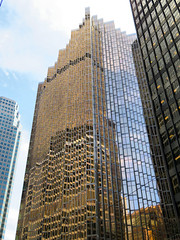 Toronto Skyscraper (duaneschermerhorn) Tags: rbc royalbanktower skyscraper building toronto ontario canada glass glassfacade modern contemporary modernarchitecture contemporaryarchitecture architect wzmharchitects wzmh reflection colorful gold sky blue clouds financial financialdistrict architecture