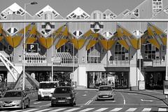 Rotterdam - Kubuswoningen (Joep Hendrix) Tags: rotterdam netherlands nederland dutch architecture architectuur blackandwhite zwartwit monochrome yellow geel blaak kubus paalwoningen pietblom stad city blaaksebos kolk oudehaven corbusier
