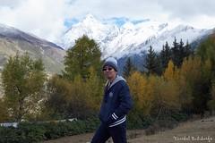 Herry (Vinchel) Tags: china sichuan siguniang trek outdoor mountain hiking fuji xt2 1655mm f28 landscape hill mountainside people travel