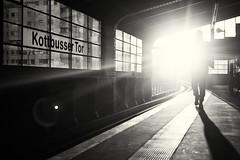 Damn Sun (Muao) Tags: monochrome monochrom sun light noir blackandwhite street streetphotography leica m8 kottbussertor kotti berlin germany