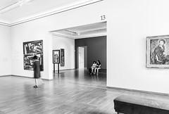 Interior Museo Leopold, Viena (Jo March11) Tags: viena wien austria sterreich vienna leopold museoleopold arte artemoderno arquitectura blancoynegro monocromo monocromtico ieletxigerra idoiaeletxigerra eletxigerra canon canoneos