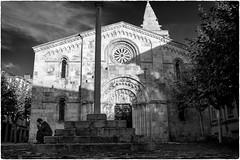 (Roberto Spagnoli) Tags: lacorua spain spagna galicia galizia chiesa church people biancoenero blackandwhite fotografiadistrada streetphotography