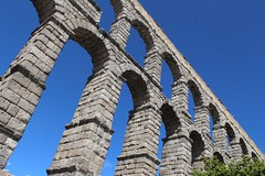 Segovia Aqueduct (richardr) Tags: segovia aqueduct roman spain espaa castile castillaylen castileandleon europe european building architecture history heritage historic old