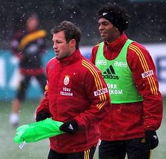 Lucas Neill & Jo (l3o_) Tags: galatasaray sar krmz red yellow football futbol lucas neill jo