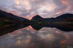 Serenity (John Soliven) Tags: autumn autumnlight buttermere cumbria lakedistrict reflection lake haystacks fell