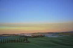 Special morning in Tuscany (Antonio Cinotti ) Tags: landscape paesaggio toscana tuscany italy italia siena hills colline campagnatoscana cretesenesi asciano nikond7100 nikon d7100 rollinghills baccoleno morning dawn sunrise
