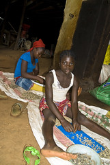 Kinder Lesen Kaffebohnen#Fairtrade#Bildung statt Arbeit
