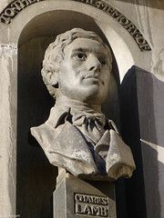 Charles Lamb, by William Reynolds-Stephens in 1935. (Iain Targett) Tags: england london unitedkingdom statues charleslamb williamreynoldsstephens walkinglondonsstatuesandmonumentsnewcity