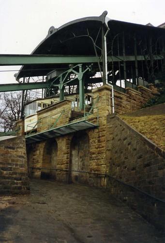 Schwebeseilbahn in Dresden Loschwitz März 1993