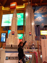 Toys-r-Us-Times-Square (Sud Photo Reportage) Tags: new york nyc usa ny square us store lego eu times toysrus toysareus
