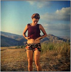 .wohlklang-illusionen, die um uns herum tanzen (Herr Benini) Tags: woman analog sicily sicilia kiev88