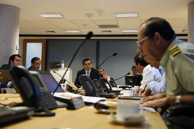 Ministro encabeza COE por volcán Villarrica 04/03/2015
