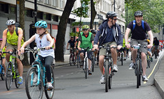 Ride London 9 (Travis Pictures) Tags: london westminster bicycles bike bikes cycling cycle cycleevent prudentialridelondon 2016 summer july city capitalsoftheworld capitalcity road bicycle recreation transport transportforlondon outdoors outside centrallondon nikon d5200 photoshop