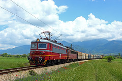 New and Old (Krali Mirko) Tags: bdz bdzcargo bdztp train freight cargo locomotive electric skoda 64e1 43 504 43504 yahinovo bulgaria railway