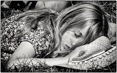 Peaceful sleeper (Andy J Newman) Tags: candid streetphotography street portrait sleep asleep silverefex nikon d7100 girl