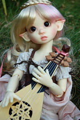 Tertia's Mandolin (Emily1957) Tags: toys toy dolls doll mandolin kayewiggs resin bjd light naturallight nikond40 nikon kitlens plaits braids braid elf elfin elven