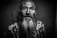 Zio Carlo (p&pfotografia) Tags: flickrweek flickrtoday clochard homeless roma italy rome nikon nikkor soe pepfotografia vedereoltre man portrait beard vintage blackandwhite bw old life eyes interno7