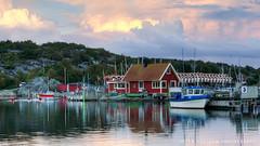 Summer evening (Peter Nystroem) Tags: boats cottage water weather reflections nnered gothenburg sweden peternystrmphotography smbtshamn gteborg reflektioner btar