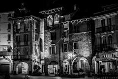 _MG_1058 (Luca Mora) Tags: eos luca domo piazza 40mm mercato bianco nero notturna notte domodossola 100d