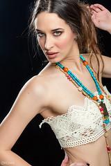Bella Rojo (Pablo Caas) Tags: sexy art beauty fashion pose model modeling modelo labios mirada belleza pelo bellarojo