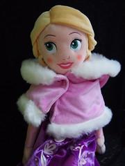 Winterliche Kuschelpuppe Rapunzel mit Umhang (sh0pi) Tags: winter doll disney plush rapunzel tangled kuschelpuppe