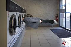 La chaussette coincée (Philémon Shivar) Tags: pentax humour machineàlaver chaussette lavelinge planking philémon shivar pentaxart pentaxgr philémonshivar chaussettecoincée