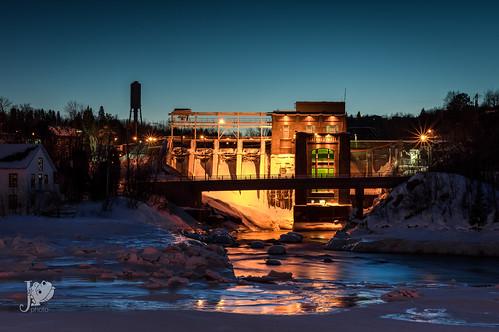 Barrage Chicoutimi la nuit