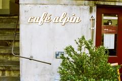 caf alpin (Markus Moning) Tags: mamiya film caf analog 35mm schweiz switzerland nc cafe kaffee s vista bern 100 agfa expired 1000 alpin moning gerechtigkeitsgasse markusmoning nc1000s