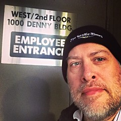 Day 1047 - Day 317: #Duh (knoopie) Tags: november selfportrait me doug duh year3 picturemail iphone 2014 day317 knoop 365days knoopie employeeentrance 365more 365daysyear3 day1047 instagram