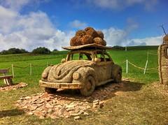 VW Käfer aus Stroh