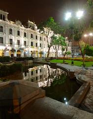 Esquina de la Plaza San Martin, Lima, Peru (Martintoy) Tags: peru nikon lima nocturna plazasanmartin ptgui