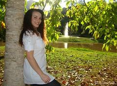 Monique (gabi.sl23) Tags: brazil woman verde green folhas smile leaves brasil garden mujer rj sony mulher chafariz jardim sorriso sonrisa countryclub novafriburgo friburgo regioserrana w220 novafriburgocountryclub