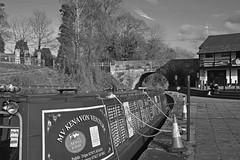 1087-08bwL (Lozarithm) Tags: bw landscape canals 1770 devizes kennetavon blip k50 devizeswharf smcpda1770mmf4alifsdm pentaxzoom