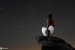El angel caido. @ Jovisur (jovisur) Tags: angel nude noche mujer paz ala alas estrellas estrella roca desnudo oscuridad caido caida angelcaido firmamento vialactea vencida desnudofemenino derrotada