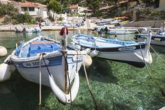 Les barquettes marseillaises (Philis.Nat) Tags: mer france canon marseille bleu provence bateau transparence pche pcheurs barquette eos7d mditrranes