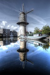 Double Capacity (Rik Tiggelhoven Travel Photography) Tags: kameel camel windmill mill water reflection wet reflectie architecture building schiedam holland netherlands nederland pays bas boat ship clouds mirror canon 6d ef1740mmf4lusm fullframe rik tiggelhoven travel photography