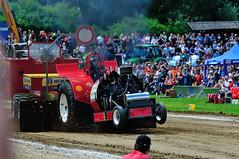 300_4053 (thomas.roesl) Tags: 2 tractor nikon traktor power action landwirtschaft 8 28 farmer pulling 70200 d300 tractorpulling sigma70200mm28 nikond300