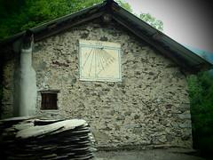 Meridiana 1 (sandra_simonetti88) Tags: meridiana casa muro montagna mountain mountains pietra pietre vallecamonica valcamonica lozio villa sommaprada lombardy lombardia italy italia