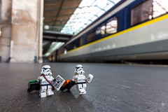 London, here we come (Ballou34) Tags: london coffee train canon toy toys photography eos rebel star starwars flickr lego stuck eurostar stormtroopers journal luggage plastic londres stormtrooper wars afol 2016 minifigures toyphotography 650d t4i eos650d legography rebelt4i legographer stuckinplastic ballou34