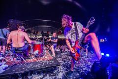 """""""Yeah, check m'n gitaar!"""" (3FM) Tags: fotograaf ben houdijk zwarte cross 2016 3fm festival lichtenvoorde muziek zc zc16 fotograafbenhoudijk zwartecross johncoffey gitaar guitar"""