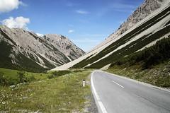 Bschlaber Landesstraße (czerwiony Smãtk) Tags: alps alpy road tirol tyrol mountains europa europe sky austria österreich canoneos6d tamronspaf2875mmf28xrdildasphericalif landscape outdoor bschlaberlandesstrase cloud