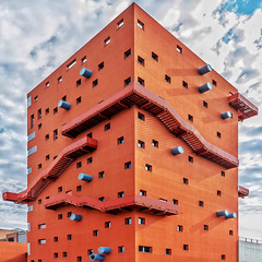 Block of Playfulness (Paul Brouns) Tags: architecture architectuur architektur corner lookup lookingup stairs external block building milan milano milaan italy italien itali angle red sky windows geometry geometrical geometric square cilinder blue around surface paulbrouns paulbrounscom wow italia