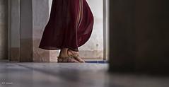 step (_esse_) Tags: everystepyoutake step passo gonna gown piedi feet sandali sandals donna woman dettaglio detail